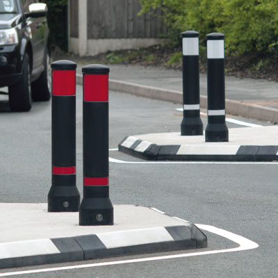 Black Advanced Neopolitan 150 bollards with red/white retroreflective patches