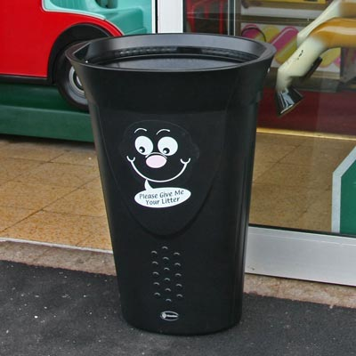 Luna novelty litter bin with Billy Bin-it Symbol