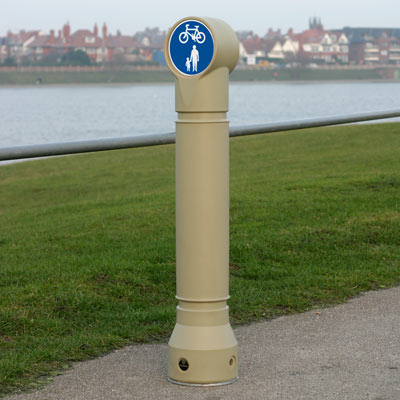 Stone Mini-Ensign bollard with sign Ref 956