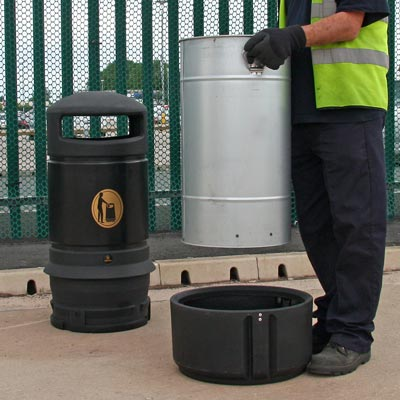 Mini Plaza litter bin Emptying