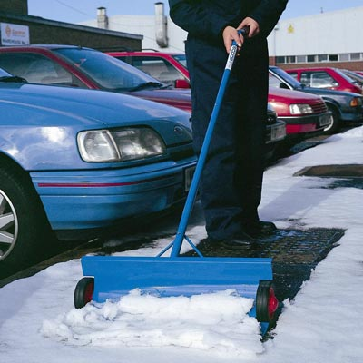 Snowscoop™ Snow Shovel
