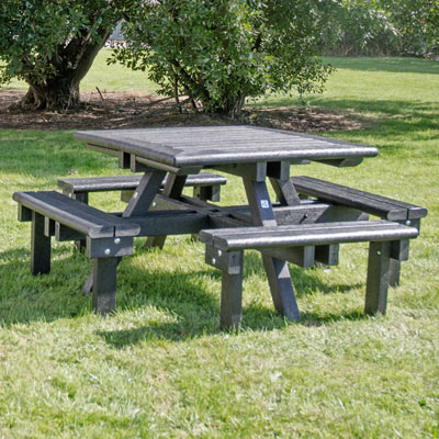 Pembridge™ Picnic Table
